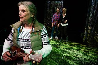 Bild från föreställningen Blåvingar