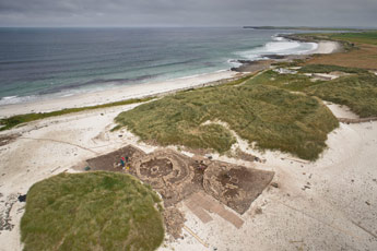 Utgrävning av Links of Noltland från ovan. Bilden är tagen med hjälp av Kieran Baxters ballongrigg.