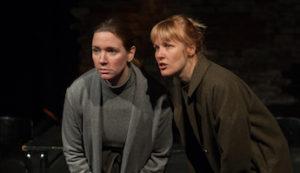Ur föreställningen: MIa Eriksson och Hanna Ullerstam