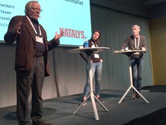 Göran Therborn lägger ut texten. Sara Karlsson och Halil Karaveli kom med synpunkter och tillägg.