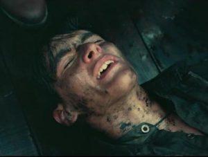 Fionn Whitehead i filmen Dunkirk