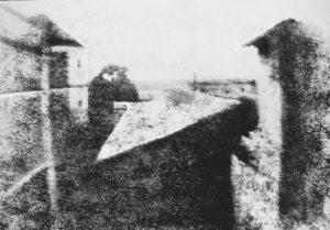 View from the Window 1826-27. Världens förmodade första fotografi.