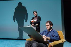 bild ur föreställningen - foto Ola Kjelbye