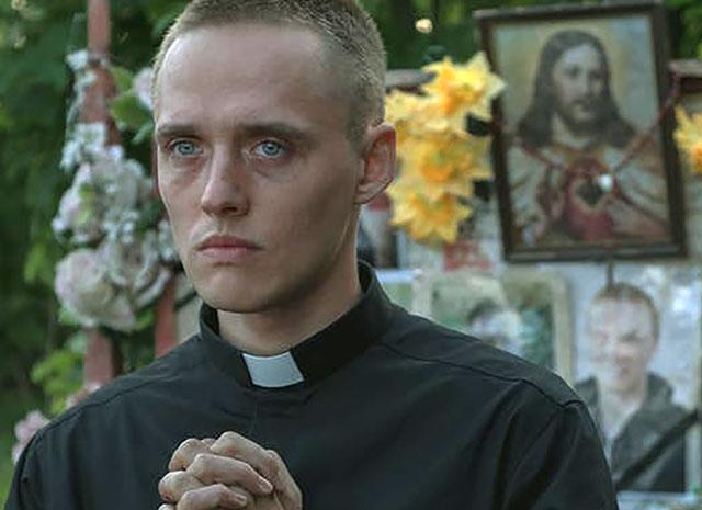 Den falska prästen är en äkta skurk