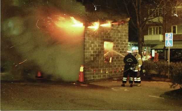 Sopmuseet i Falkenbergs stortorg brinner. 1997.